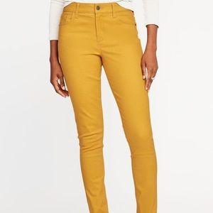 NWOT Med Old Navy Rockstar Mid-Rise Jeans Mustard